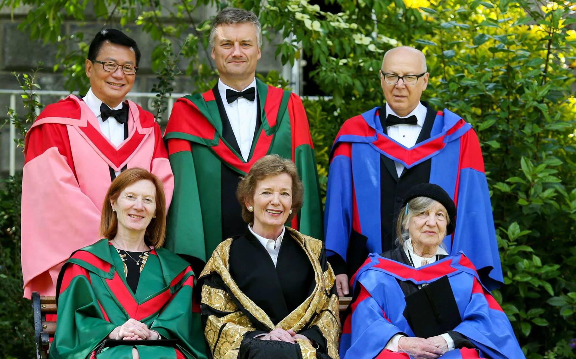 Лауреат Большой Бунинской премии Г. М. Кружков избран почетным доктором литературы Тринити-колледжа